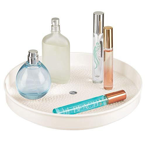 mDesign Lazy Susan drehbares Kosmetiktablett – Ablagefläche für Nagellack, Haarpflegeprodukte und Medikamente – runde Kosmetik Aufbewahrung aus BPA-freiem Kunststoff und Edelstahl – cremefarben